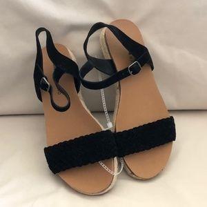 Lucky Brand Woven Black Strap Sandal